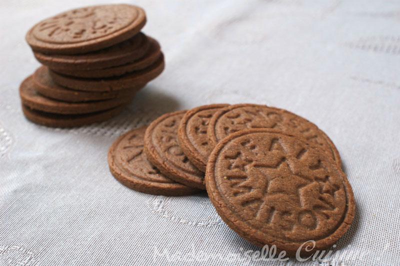 biscuits choco noisettes recette de cuisine mademoiselle cuisine recettes astuces actu. Black Bedroom Furniture Sets. Home Design Ideas