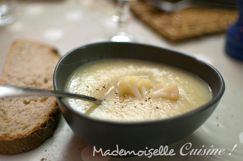 Veloute De Chou Fleur A L Ail Recette De Cuisine Mademoiselle